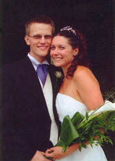Photo of Noami and Russ on their wedding day.